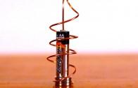 Motorul homopolar cu o baterie și un magnet